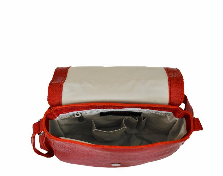 ba49ba8e422eb Skórzana torebka listonoszka DAAG FUNKY GO! 33 czerwona -  17294 ...
