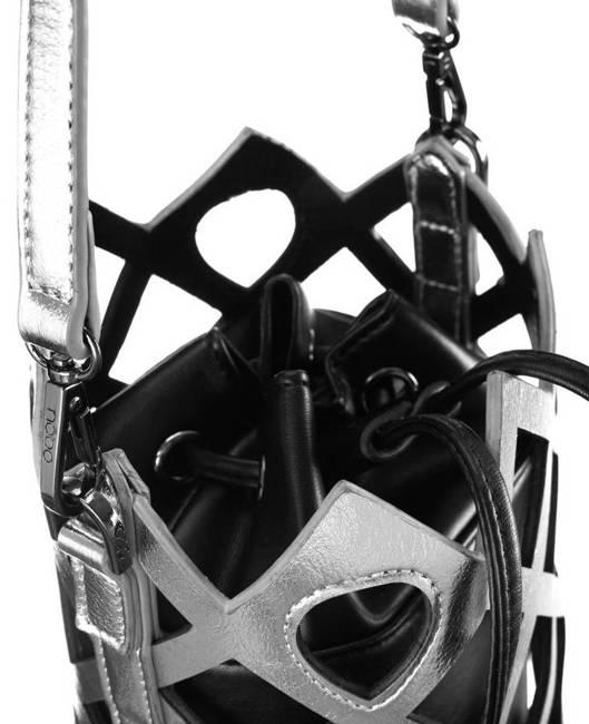 Ażurowy worek czarno-srebrny Nobo NBAG-K3010-CM22