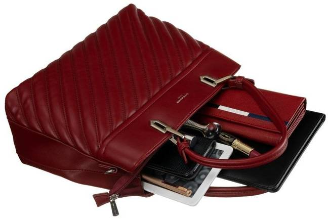 Kuferek bordowy z pikowanym frontem David Jones CM6215 DARK RED