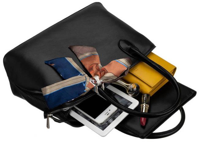 Kuferek czarny z ozdobną apaszką David Jones CM6214 BLACK