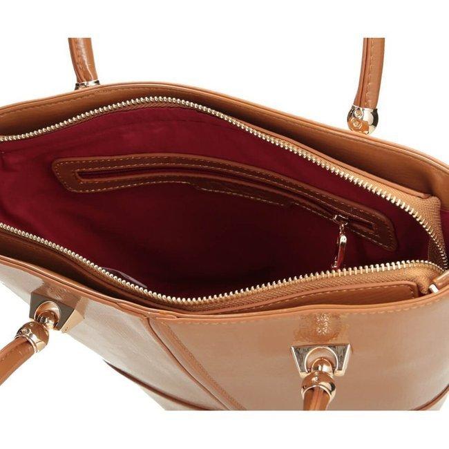 Lakierowany kuferek kamelowy Nobo NBAG-J2790-C015