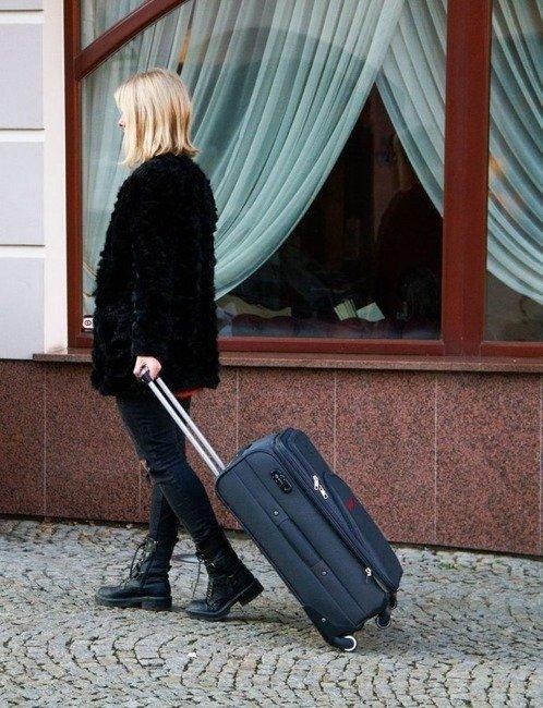 Mała podręczna walizka miękka S Solier STL1708 niebieska