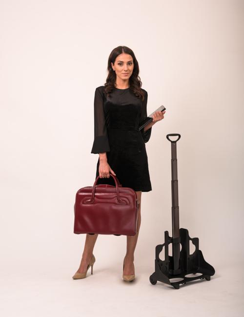 """Skórzana torba damska 17"""" na laptopa z odpinanym wózkiem Mcklein Willowbrook 94986 czerwona"""
