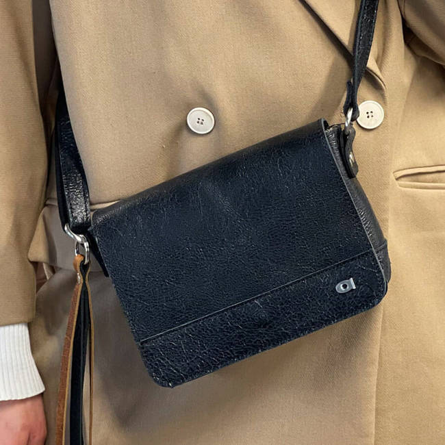 Skórzana torba damska DAAG Jazzy Wanted 115 czarna