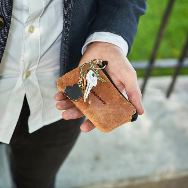 Skórzane etui na klucze BRODRENE K01 jasnobrązowe