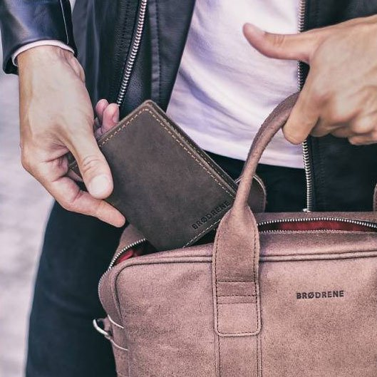 Skórzany cienki portfel slim wallet z bilonówką BRODRENE SW01+ ciemnobrązowy