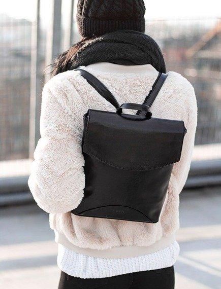 Skórzany plecak damski DAN-A T383 czarny